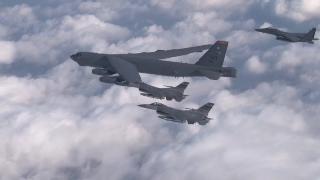 美 3대 전략폭격기 괌 집결…틸러슨 '북, 비핵화 안하면 더 큰 대가'