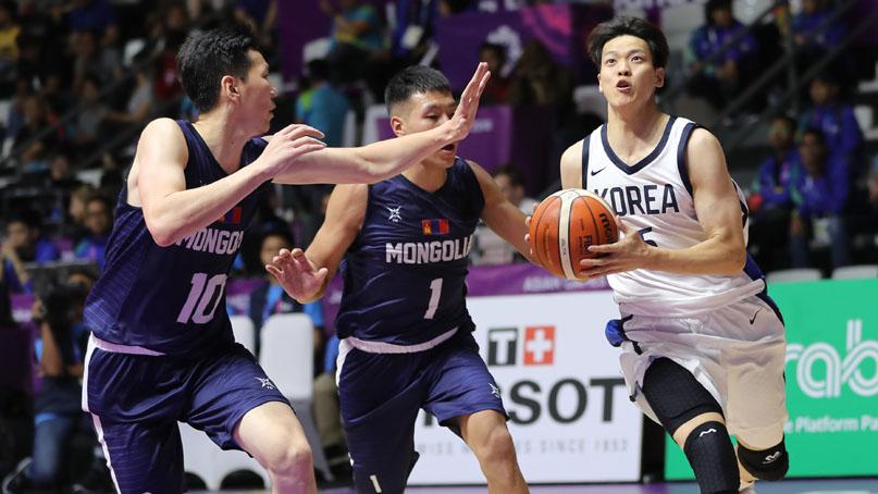 '2연패 도전' 남자 농구, 몽골 완파하고 2연승