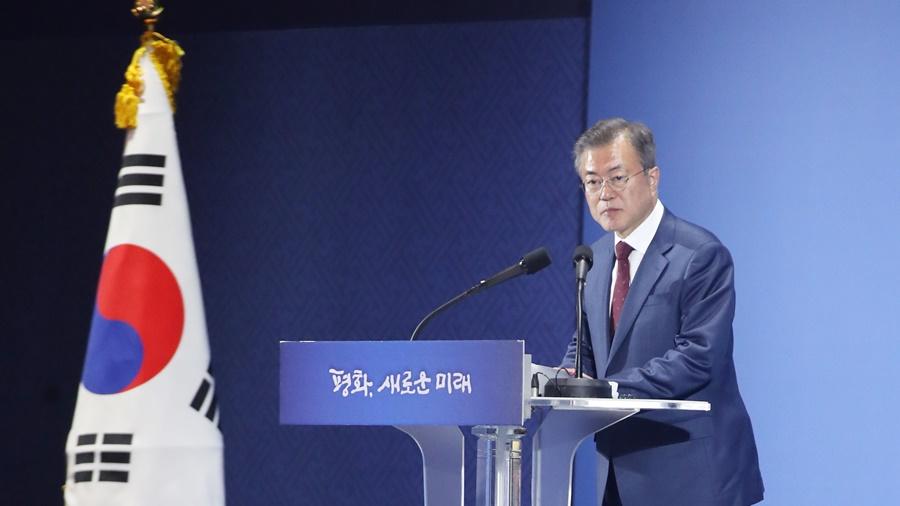 文대통령 '남북 간 신뢰 구축에 큰 도움 된 방문'