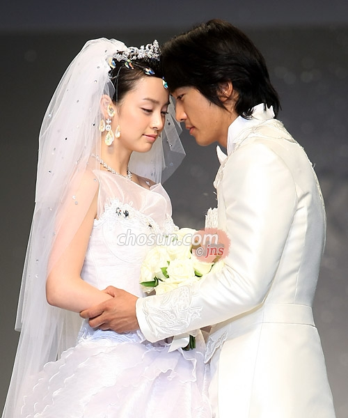 Kim Tae-hee-Song Seung-heon, a kiss of love! | kdrama and kpop