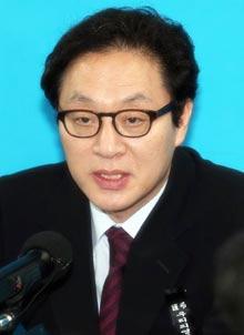 한나라당 중앙 선대위 스마트전략위원장인 정두언 의원 /조선일보DB