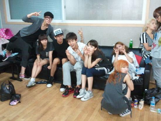 2AM-2PM-미쓰에이, 연습실에서 단체 사진 공개 - 조선닷컴 - 연예 > 방송