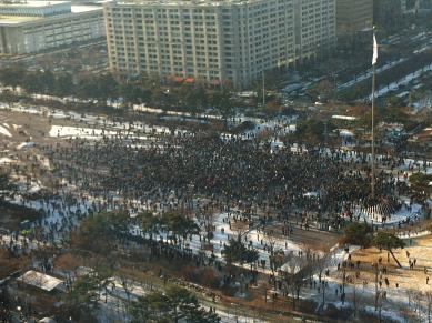 24일 오후 4시 20분에 KTB투자증권 19층에서 찍은 여의도공원 모습 /유한빛 기자