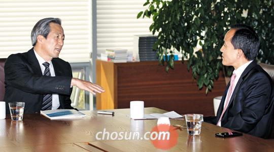 정몽준 의원과 최보식 선임기자