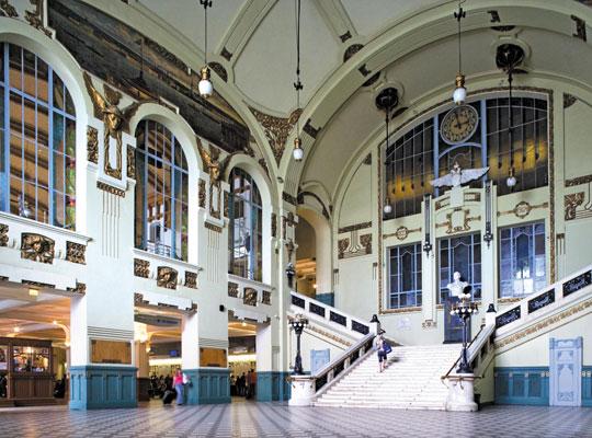 러시아 상트페테르부르크에 있는 비텝스키(Vitebsky) 기차역.