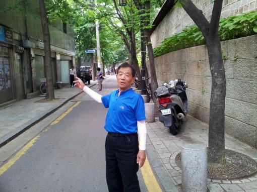 순라길 '57년 산증인' 이희창(77) 형제식당 사장 /  사진=김민철 조선비즈 인턴기자