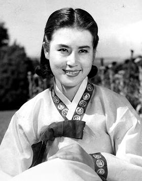 '성춘향' '상록수' 등에서 주인공을 맡으며 전성기를 누리던 최은희의 1960년대 모습.