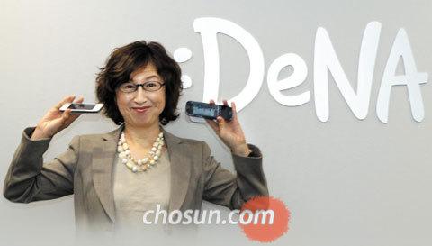 도쿄 시부야의 디엔에이 본사 로비에 선 난바 도모코 디엔에이 창업자.
