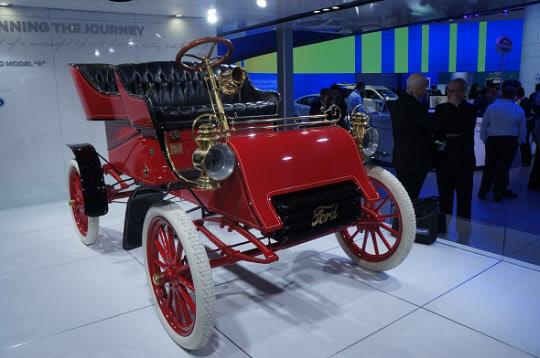 포드가 1903년에 생산한 첫 양산 자동차 '모델A'. 최고 속도 시속 48km까지 낼 수 있다. /안석현 기자