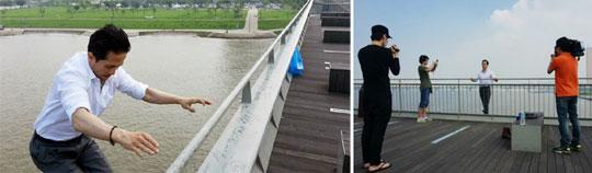 26일 오후 남성연대 성재기 상임대표의 트위터에 올라온 사진(왼쪽). 성 상임대표가 서울 마포대교 난간을 잡고 있던 손을 놓고 한강에 뛰어내리는 모습이다. 마포대교를 지나던 김 모 기자가 성 상임대표의 투신 전 상황을 찍어 트위터에 올린 사진(오른쪽).