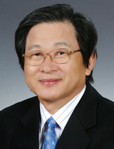 윤 연 / 前 해군작전사령관