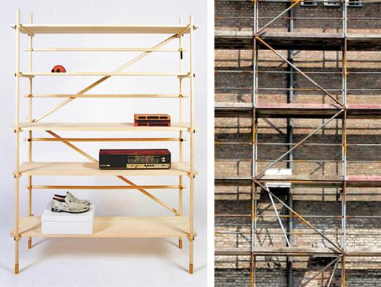이상혁씨가 공사장 비계 모양으로 만든 선반 '유용한 실업자'. 오른쪽 사진은 독일 공사장에 설치된 비계