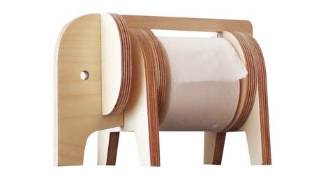 코끼리 모양의 휴지 걸이 '사파리'. 휴지를 쓸수록 코끼리 배가 홀쭉해진다