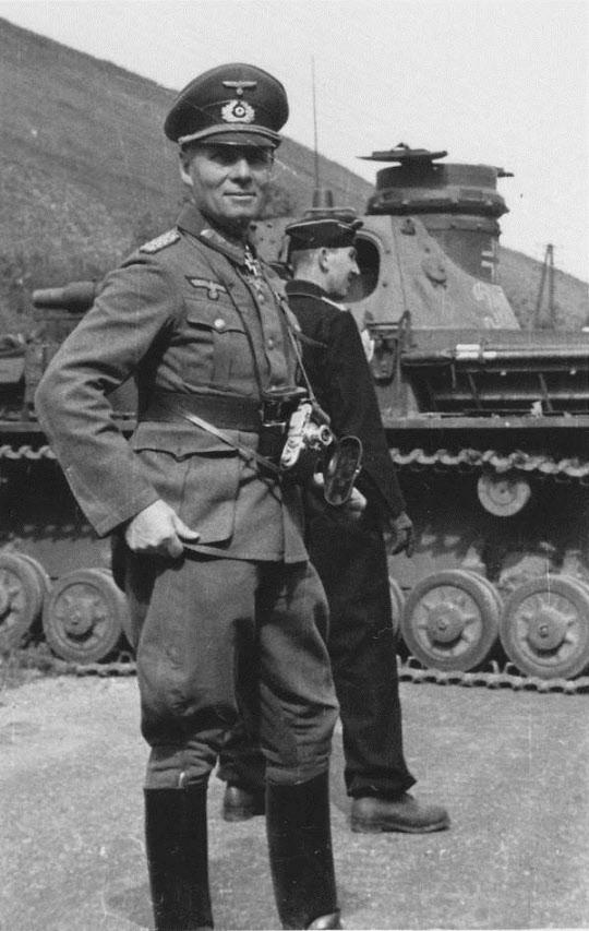 프랑스 전역 종결 직후의 롬멜. 만일 영국 본토 침공이 개시되었다면 제7기갑사단은 선봉 부대로 상륙할 가능성이 많았다.