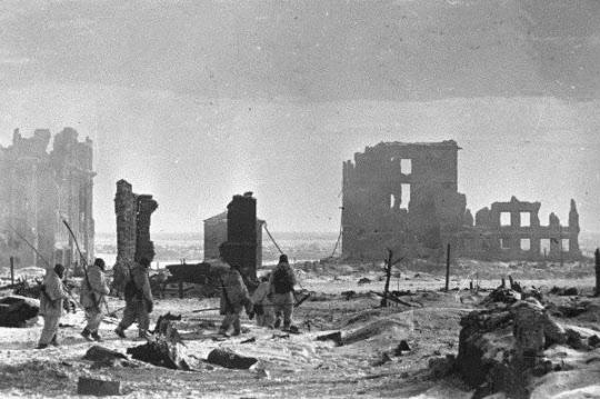독일의 많은 명장들이 참전한 독소전쟁은 제2차대전의 대부분을 차지한 거대 전장이었다, 하지만 롬멜은 이곳에서 활약하지 못하였다.