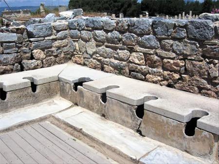 로마시대 공중화장실 사진