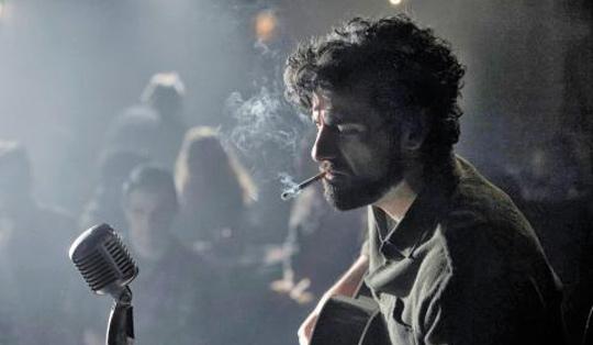 영화에 등장하는 가수 '르윈 데이비스'(사진)의 실제 모델은 포크가수 데이브 반 롱크다. 그가 낸 앨범 제목은 '인사이드 데이브 반 롱크'이며 그도 'Hang Me, Oh Hang Me'를 불렀다