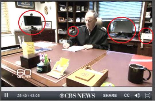 미국 CBS 방송 시사프로그램인 '60 MINUTES'가 지난해 12월 15일 방영한 'INSIDE THE NSA'에 노출된 NSA국장 집무실.