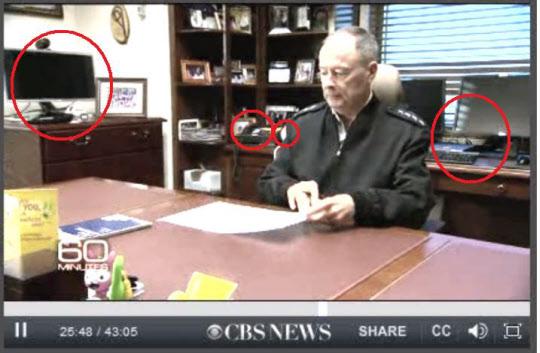 미국 CBS 방송의 시사프로그램인 '60 MINUTES'가 지난해 12월 15일 방영한 'INSIDE THE NSA'에 노출된 NSA국장 집무실.