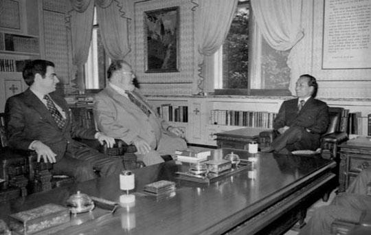 1973년 11월 13일 박정희 대통령과 허먼 칸이 만나 이야기를 나누는 모습. 국가기록원 제공