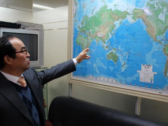 최성근 대표가 세계 시장 진출 전략에 대해 설명하고 있다.