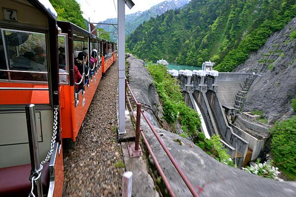 [포토]박력 있는 자연의 끝을 달린다 '日 구로베협곡열차'