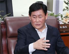 """최경환 """"DTI·LTV 등 부동산 금융 규제 완화 필요… 수도권 규제 완화는 신중할 것"""""""