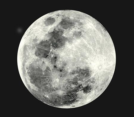 보름달 표면.