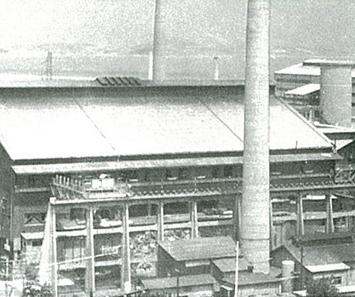 대한중공업사 평로제강공장 외형과 평로(1957년).