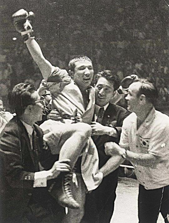 세계 챔프에 등극한 김기수 선수.