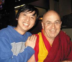 차드 멍 탄(왼쪽)과 마티유 리카르 스님.