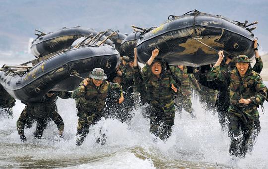 군대 훈련 모습