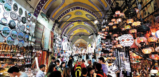터키 이스탄불의 전통시장 그랜드바자르.