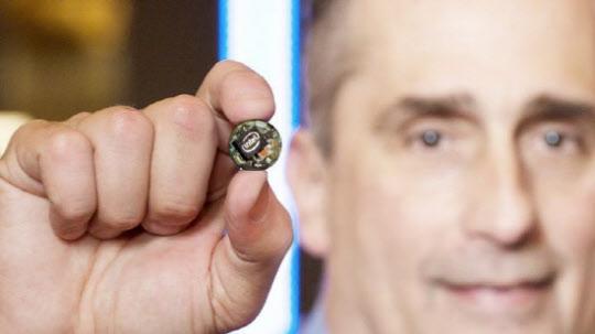 인텔은 웨어러블 기기나 사물인터넷 기기에 최적화한 초소형 컴퓨터 '큐리(Curie)'를 선보였다. /인텔 홈페이지