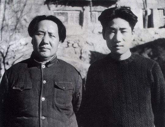 모택동과 그의 아들 모안영(毛岸英·오른쪽)