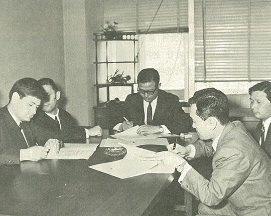 푀스트 알피네사와 중후판공장 설비 공급 계약 체결(1970년 6월)
