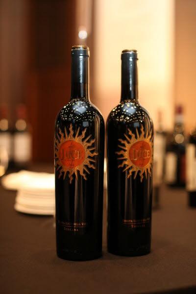 10만원 이상 구대륙 고가 레드와인 수상작 가운데선 이탈리아 와인의 위세가 돋보였다. 10만원 이상 레드와인 7개 가운데 5개가 이탈리아산(産)이었다. 사진은 신동와인의 루체. /조선DB