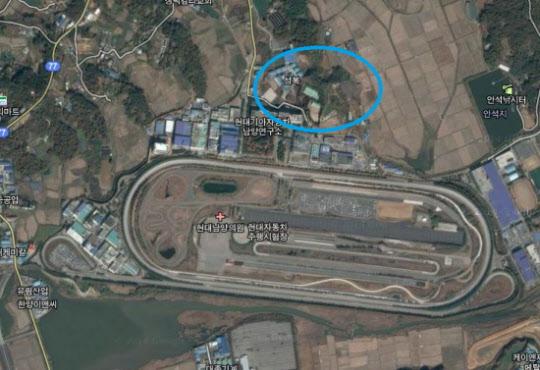 현대차 남양연구소 위성사진. 푸른색 동그라미 부분이 현대차가 매입을 완료한 토지/구글 지도