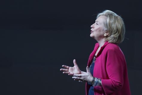 힐러리 클린턴 전 미국 국무장관이 12일(현지시각) 대선 출마를 공식 선언했다/블룸버그제공