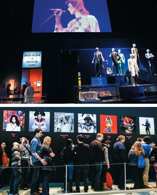 2013년 런던 V&A박물관에서 열린 팝스타 '데이비드 보위' 회고전(사진 위). 지난 3월부터 뉴욕현대미술관(MoMA)에서 열리는 아이슬란드 가수 '비요크' 전시(사진 아래).
