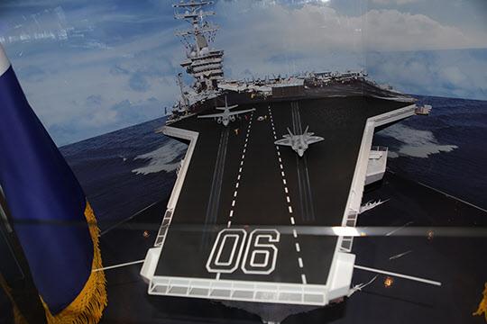해군은 2027년경 경항모급 독도3번함을 건조해 수직이착륙 폭격기 F-35B를 탑재하는 방안을 구상중이다.