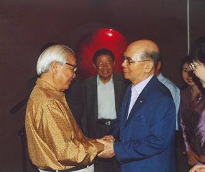 베트남 총리를 지낸 보반 키엣과 재회한 박태준 포스코 명예회장.
