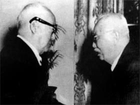 1960년 3월 18일 함태영 전 부통령과 경무대에서 만나는 이승만 대통령 사진