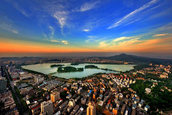 난징 시내 한복판에 위치한 멋진 전경의 현무호.
