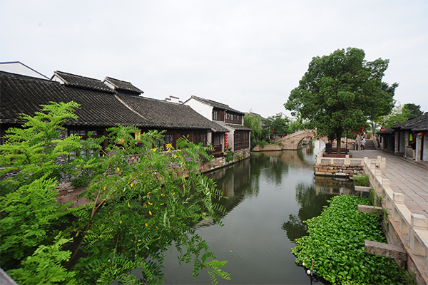 물길 따라 즐기는 중국 전통 수향마을, '탕구'