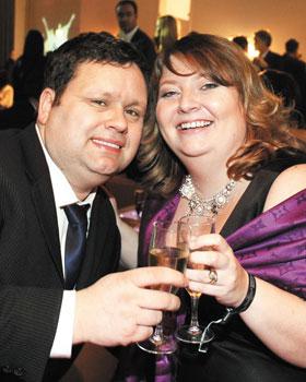 2009년 독일 에코뮤직상 수상 파티에 참석한 폴 포츠와 그의 아내 줄리-앤.
