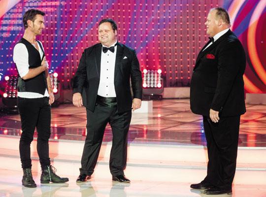 지난 7월 독일 TV 생방송에 출연한 폴 포츠(가운데)가 사회자들과 대화를 나누고 있는 모습.
