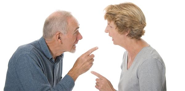 은퇴 후 노부부만 사는 경우, 미래에 대한 계획이 줄면서 과거 기억에 집착하게 된다. 이런 경우 감정 상한 과거 기억이 떠올라 부부 갈등이 심해질 수 있다.