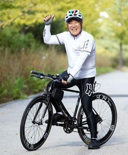 자전거 라이딩 복장으로'중무장'한 박재갑 국제암대학원대학교 석좌교수.