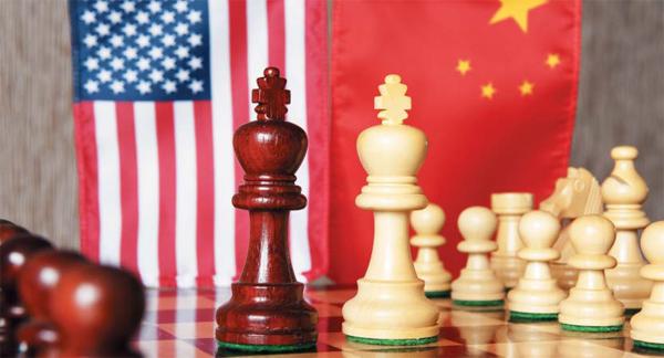 국제정치는 거대한 체스판. 힘이 빠졌지만 현상 유지를 노리는 패권국 미국과 일취월장한 경제력을 바탕으로 상승을 꿈꾸는 중국 사이에서, 한반도가 가야 할 길은 무엇일까.